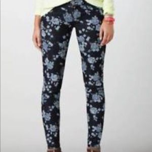 AEO Floral Stretch Jegging